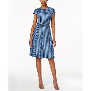 ⬇️ $30 Jessica Howard Petite Geo-Print Dress